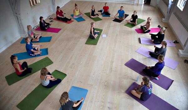 Yoga på højskole